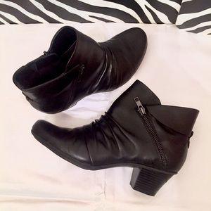 Earth Pegasus Comfort Zipper Ankle Bootie Black 9